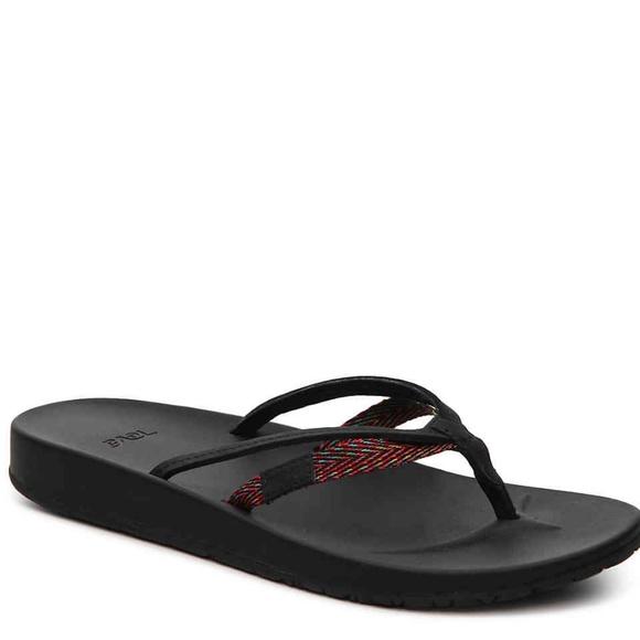 5301e746317e TEVA Azure 2 strap sandals